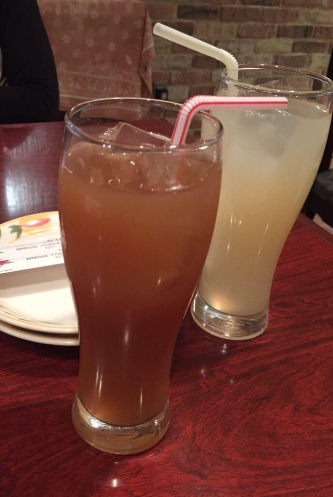 グアバジュースとタマリンドジュース
