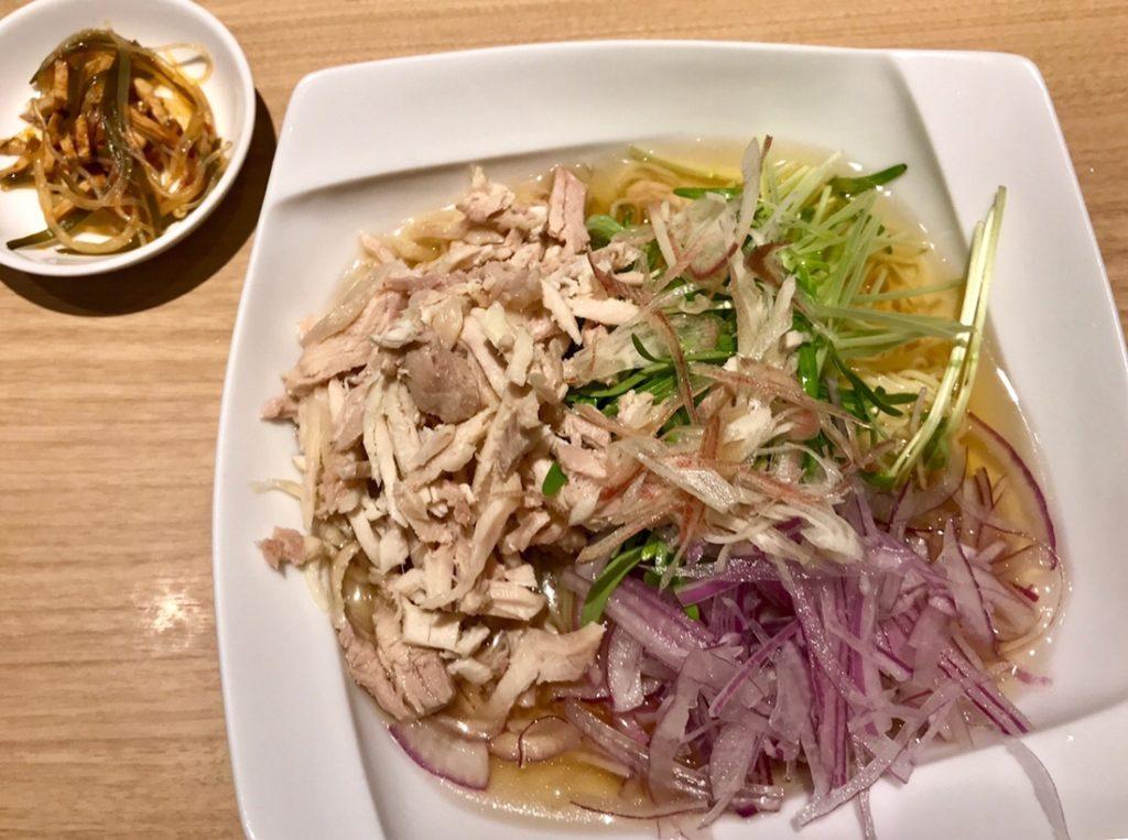 冷製鶏スープ麺