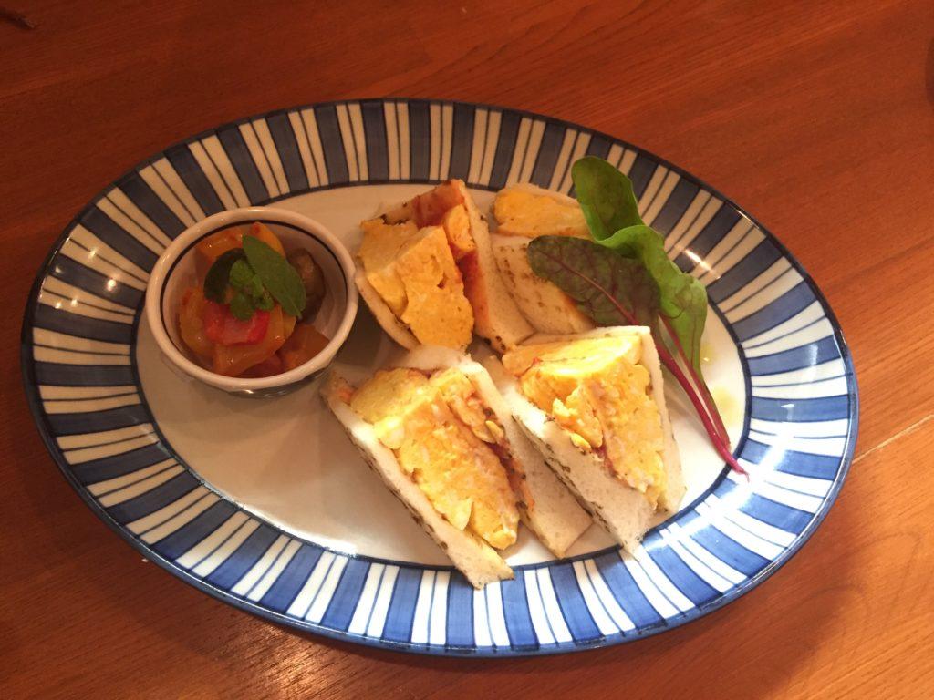 フワフワオムレツのサンドウイッチ