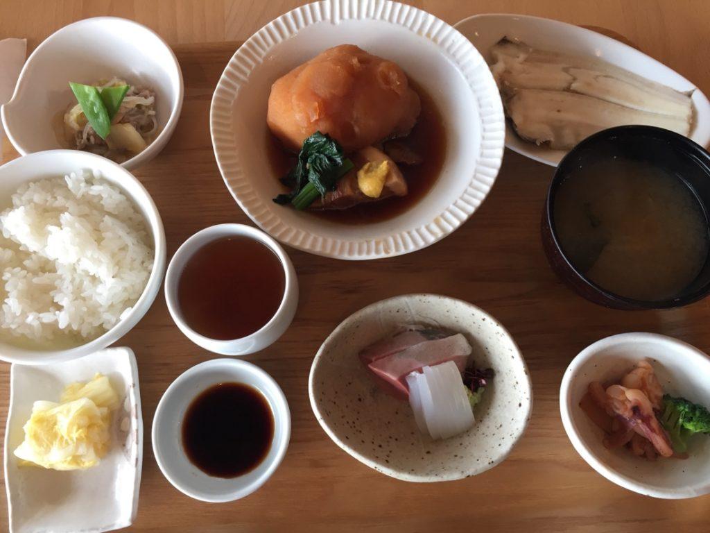 『海のレストラン おおとく・福井』水平線を眺めながらお魚ランチ