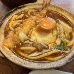 『山本屋本店 大門本店』名古屋名物、味噌煮込みうどんとあっさり漬け物