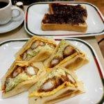『コンパル金山店』名物エビフライサンドと名古屋モーニングが人気の喫茶店
