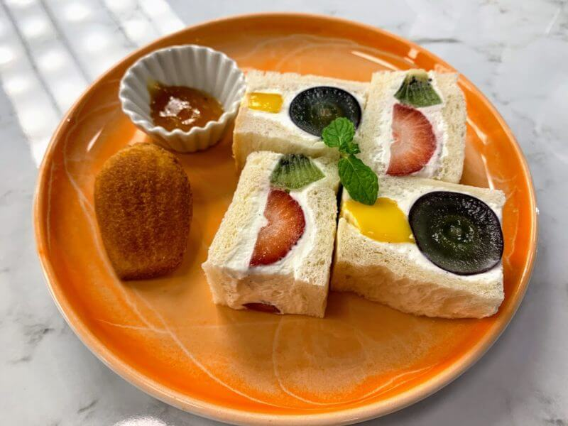 フルーツサンドイッチ