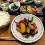 『階段ノ上ノ食堂』吉祥寺駅ちかの隠れ家。こだわりの食材と小さなおかずの和定食