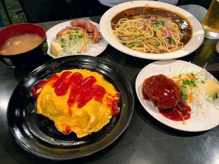 『カヤシマ』吉祥寺の老舗喫茶店のオムライスとハンバーグ