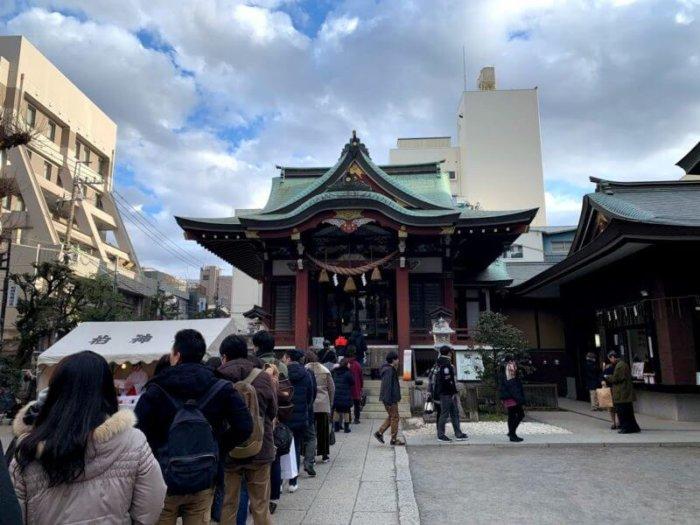 柏神社は相変わらずの人気です。今年もよろしくお願いします。