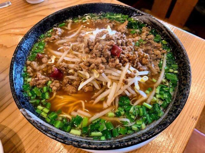『元祥 根戸店』北柏の大盛り中華でチャーハン&熱々ビッグな棒餃子