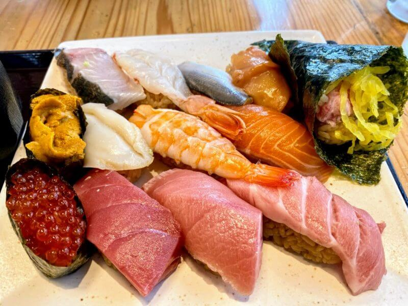 『羽田市場  柏直営店』の特上寿司でランチ呑み