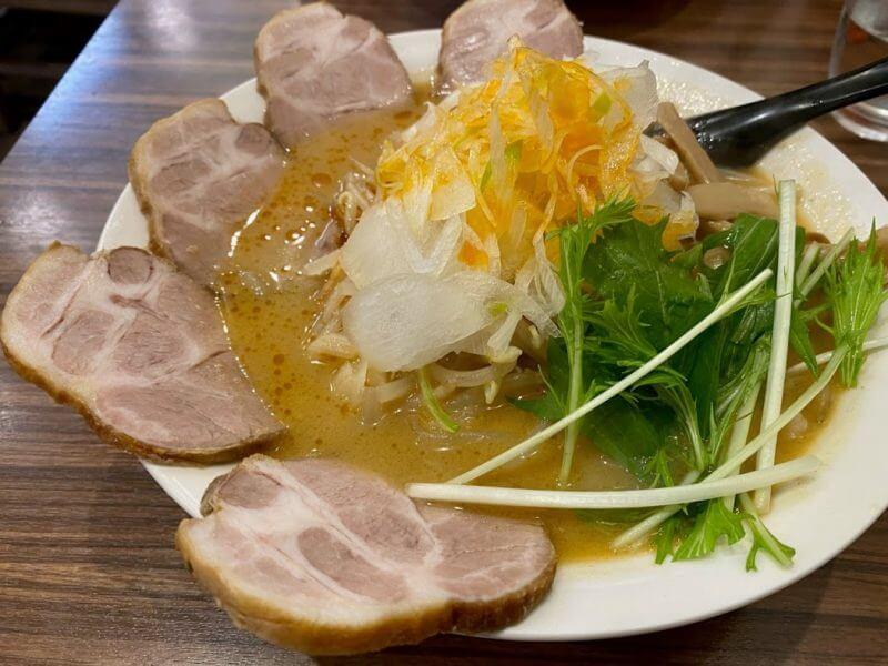 『麺処・餃子処 TESHI・柏』アットホームな定食と中華のお店