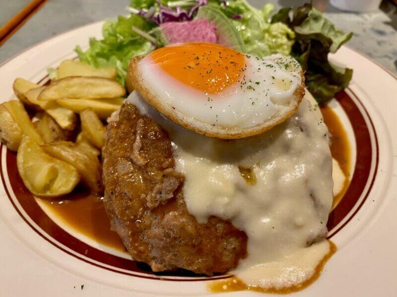 『ハナオカフェ 酒々井プレミアムアウトレット店 (HANAO CAFE)』とろけるチーズのロコモコ