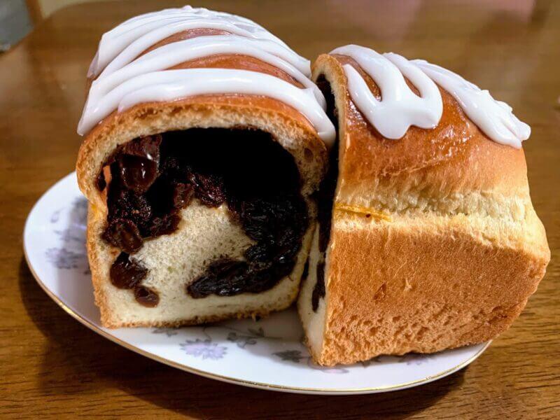 『コーヒー&ぶどうぱんの店 舞い鶴』湯島で噂のずっしりぶどうパン