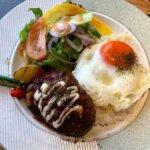 『カフェウォール(Cafe WOL)柏』地場野菜と大きなお肉のビーフカレー