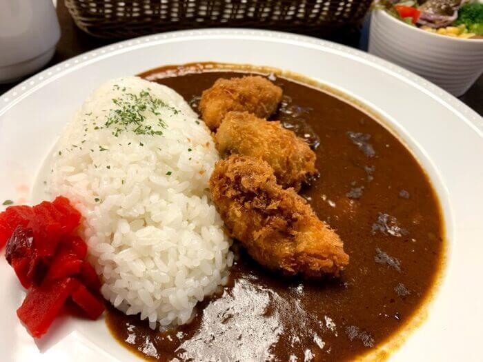 『イデカフェ イオン鎌ヶ谷店』揚げたてカキフライと濃厚ビーフカレー